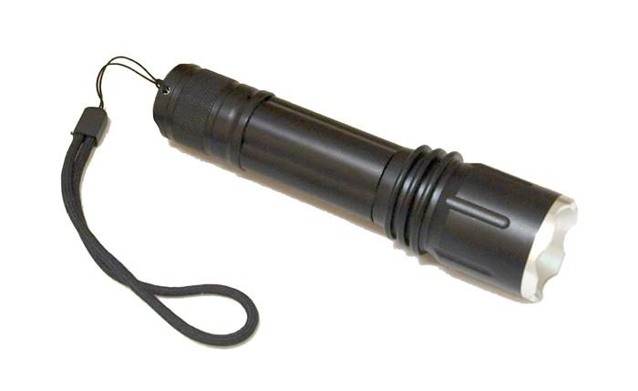 Lukturītis CREE LED kabatas (gaismas diodes: 1, barošanas avots: 3 x AAA + lādētājs)